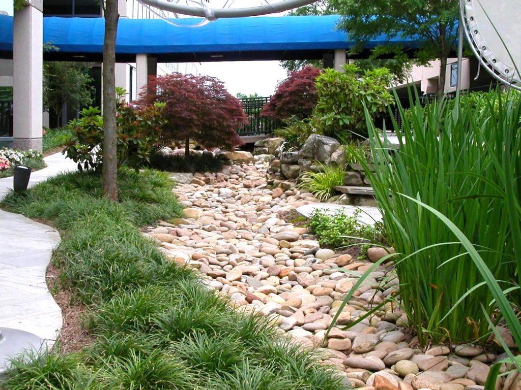 камни для сухого ручья