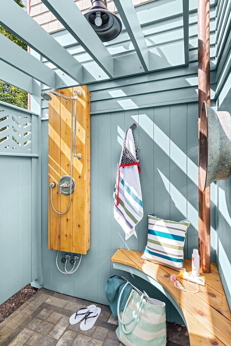 Удобное и хорошо организованное пространство душевой кабины