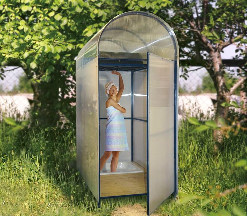 Пластиковый душ к крышей арочного типа