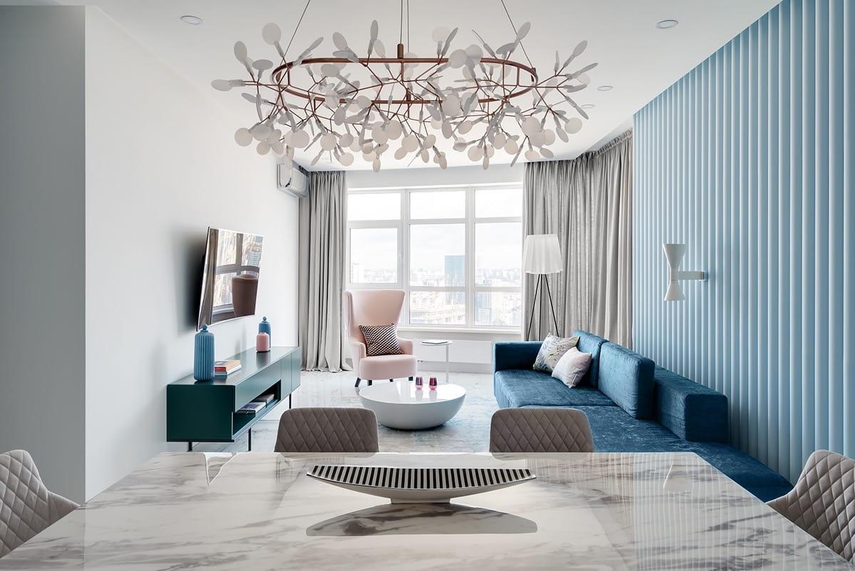 Нежная воздушная комната в светло-голубых тонах