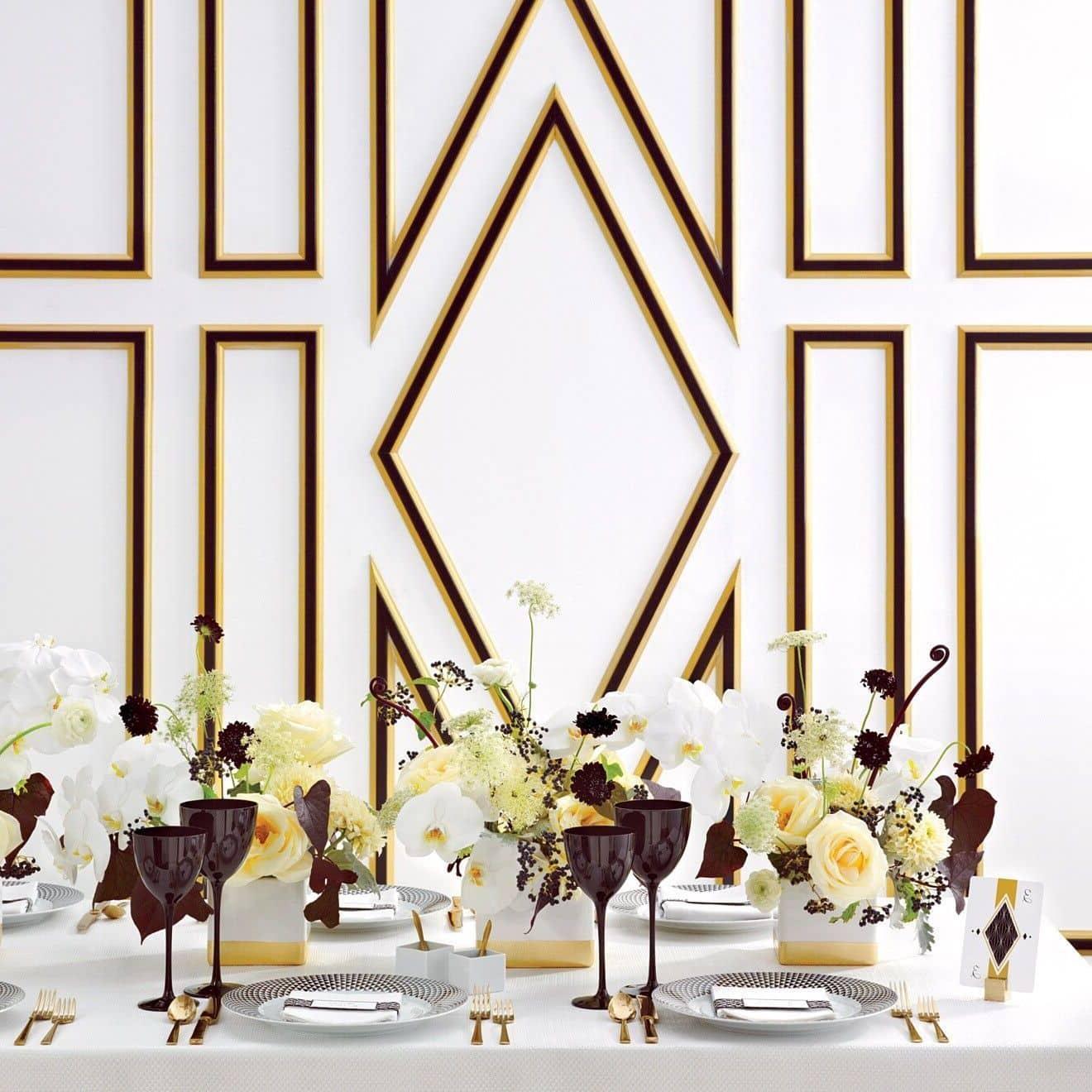 Симпатичные фужеры в темно-коричневом цвете – эффектное дополнение праздничного стола