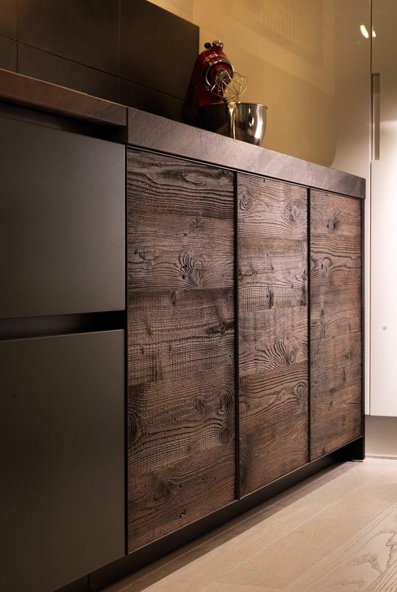 Подобный дизайн шкафа предпочтут практичные люди