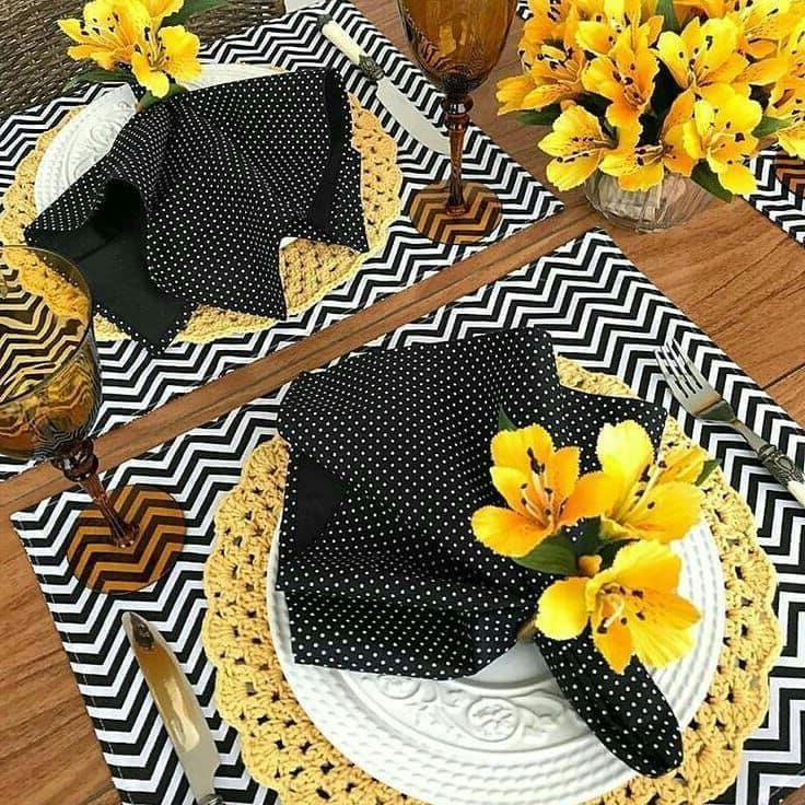 Идеальное сочетание ярких оттенков в декоре стола