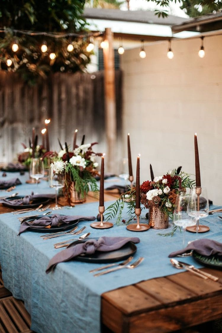 Красивое оформление стола в техно стиле