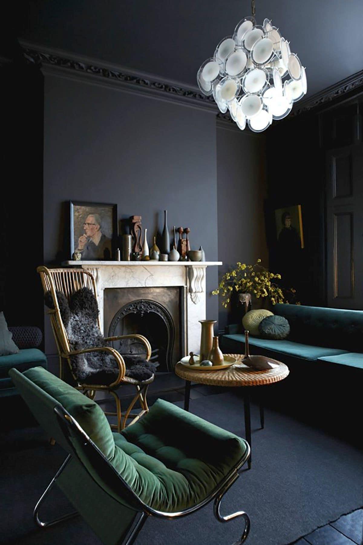 Темный цвет стен – беспроигрышный вариант для гостиной в ар-деко стиле