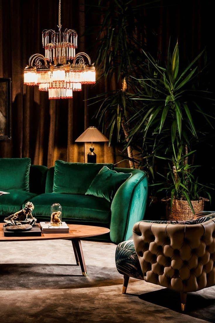 Бархат – удивительный по красоте отделочный материал, который имеет приятную фактуру и широкую цветовую гамму на любой вкус