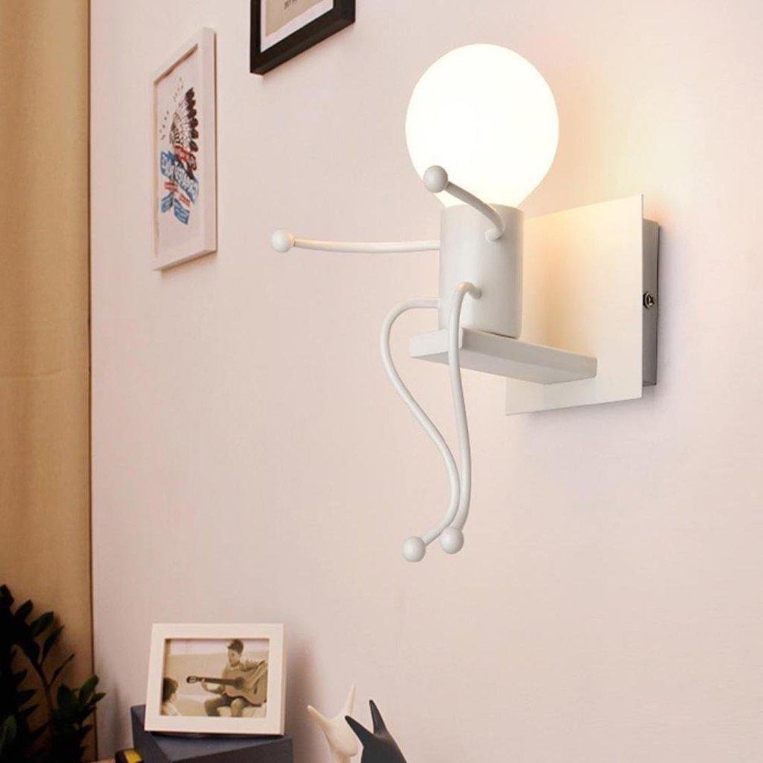 Креативная задумка исполнения настенного светильника