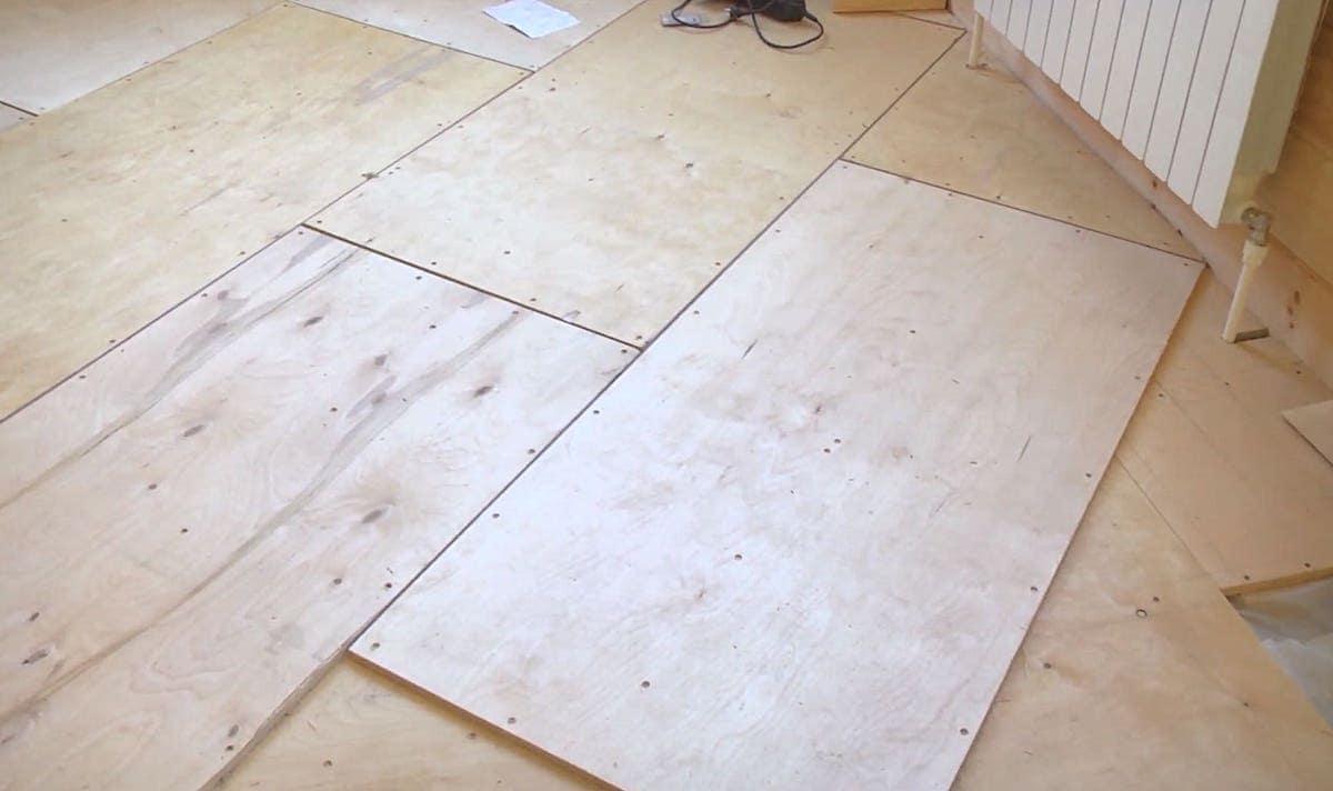 Перекрестный способ укладки фанерных листов на пол
