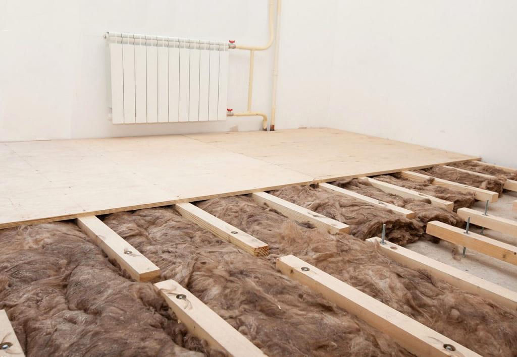 Укладка фанеры на деревянные лаги