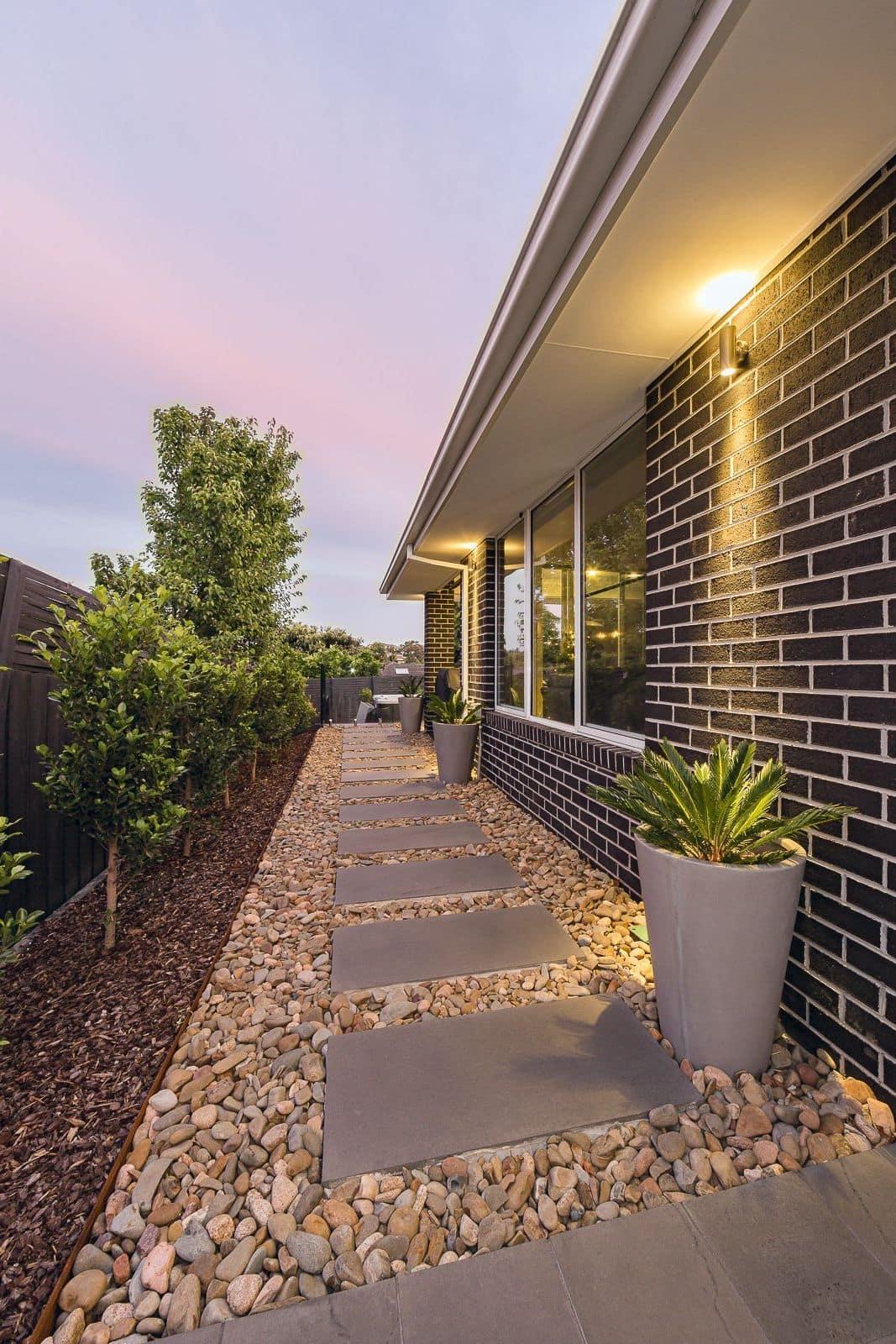 дизайн двора частного дома фото 33