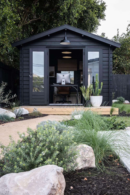 дизайн двора частного дома фото 46